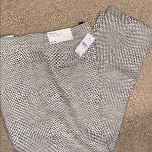 "ANN TAYLOR ""the ankle"" mid rise pants size 8"